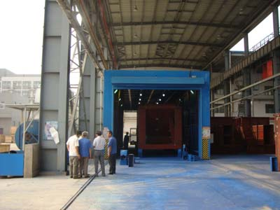 西安筑路機械整體移動噴漆房
